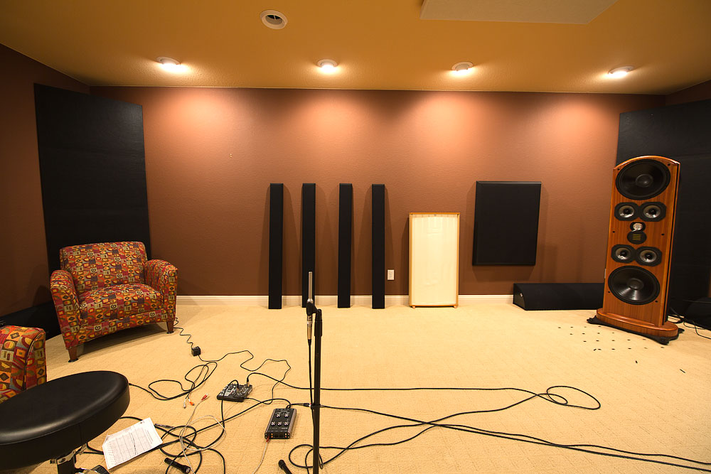 Room acoustic analysis for a high end listening room