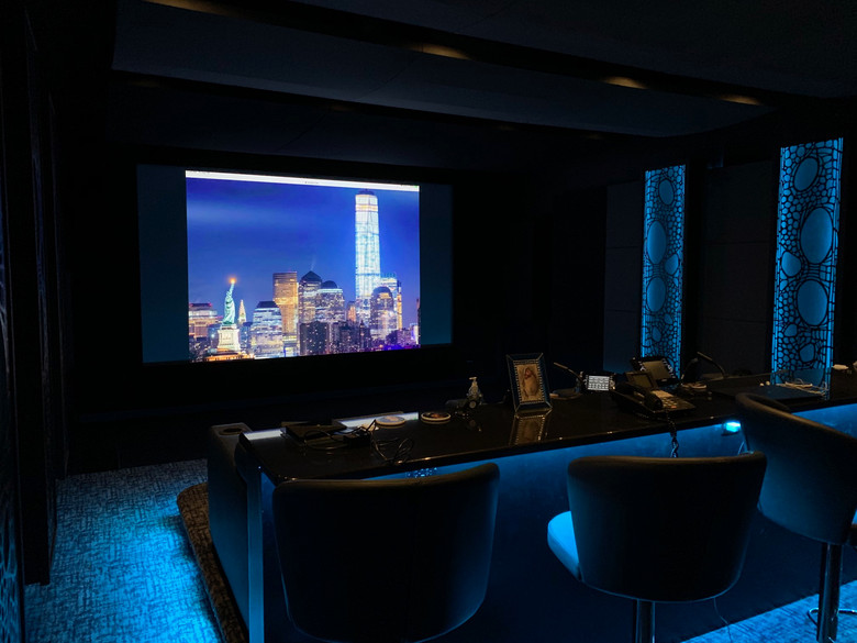 New York Dream Home Theater - view to front